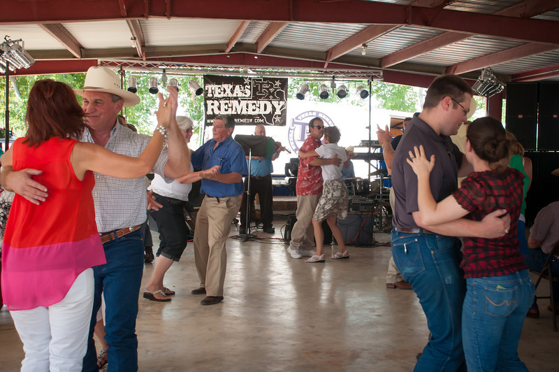 Dancing to the music of Daniel Cendalski and the Country Boys