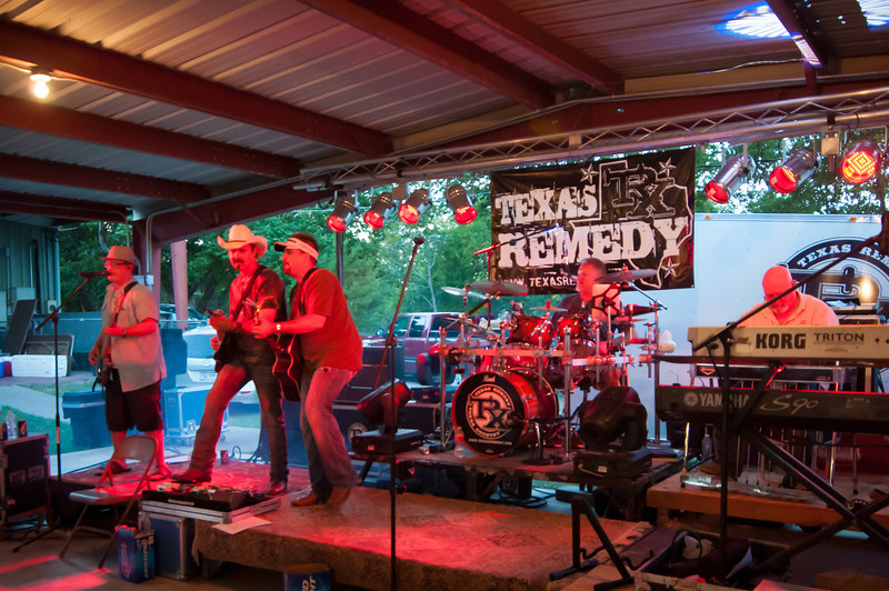Texas Remedy band entertains the crowd with country music