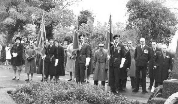 <font size=3><u> - Remembrance Parade - 1946/47 - </u></font> (BS0109)