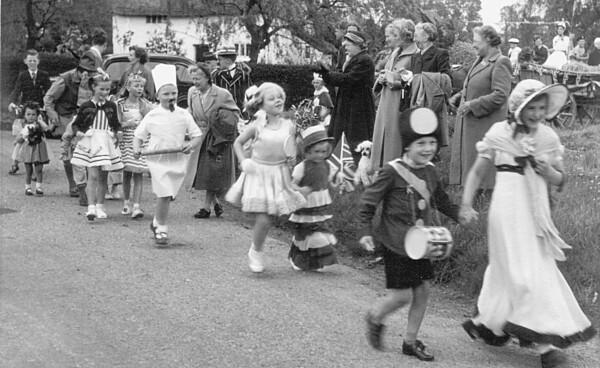 <font size=3><u> - Fancy Dress Parade - </u></font> (BS0263)
