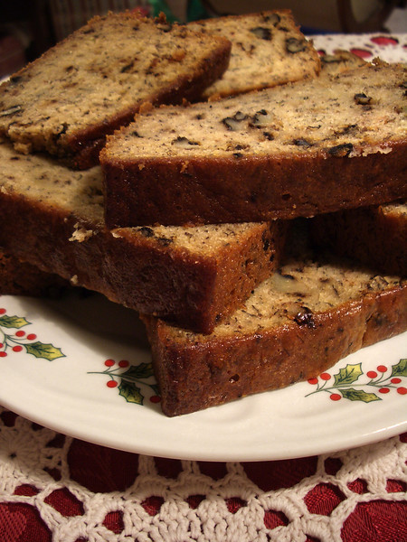 Mmmm. Holiday banana nut bread. Grandma's best Christmas snack.