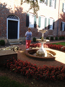 Mom at the Alumnae House fountain