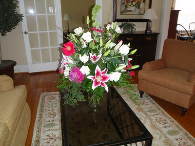 Wendy's floral arrangement to celebrate 11th anniversary