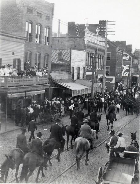 Confederate Reunion Parade IV (07409)
