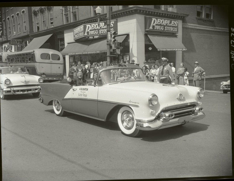 1950's Shriner's Parade  IX  (09678)