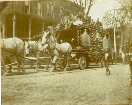 Buffalo Bill Comes to Lynchburg IV (00048)