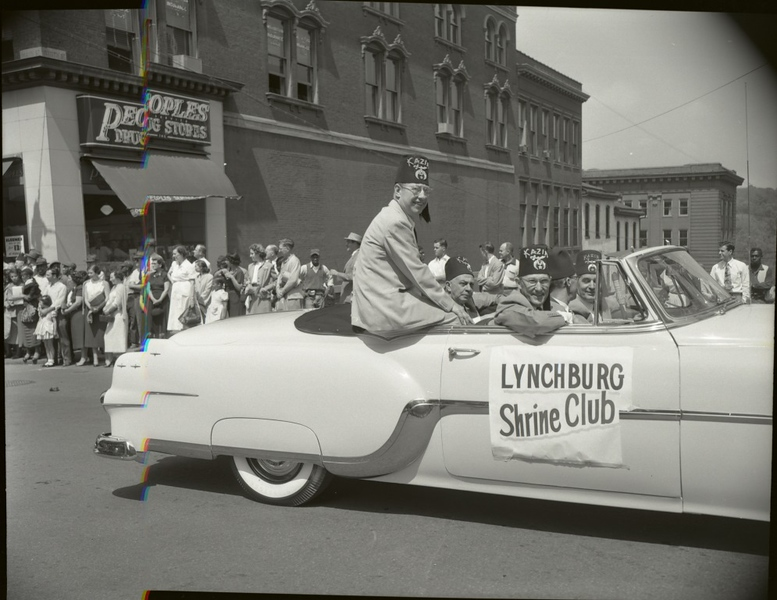 1950's Shriner's Parade  IV  (09673)