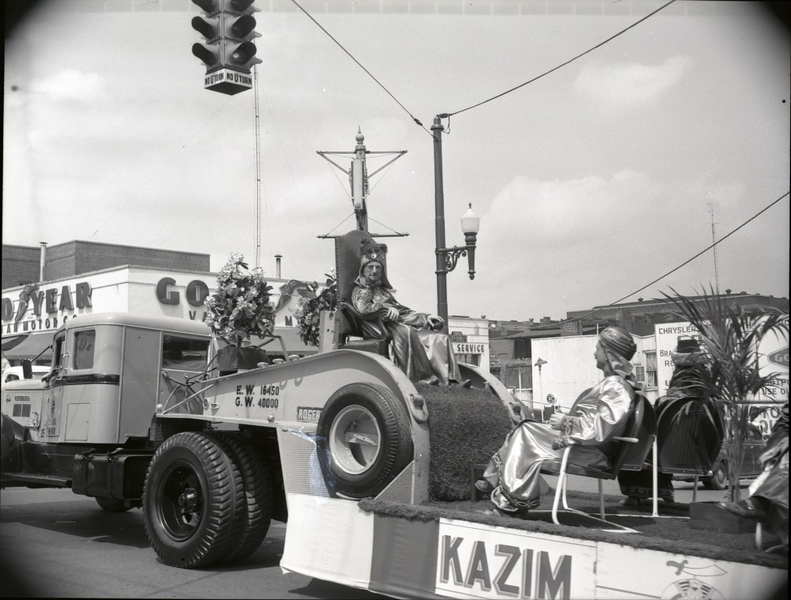 1950's Shriner's Parade  (09672)