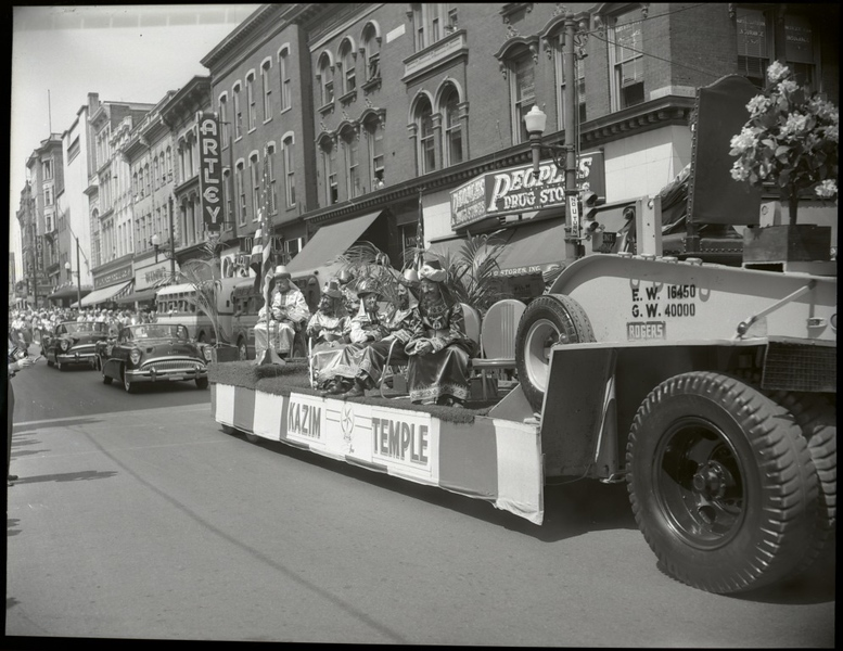 1950's Shriner's Parade  (09675)