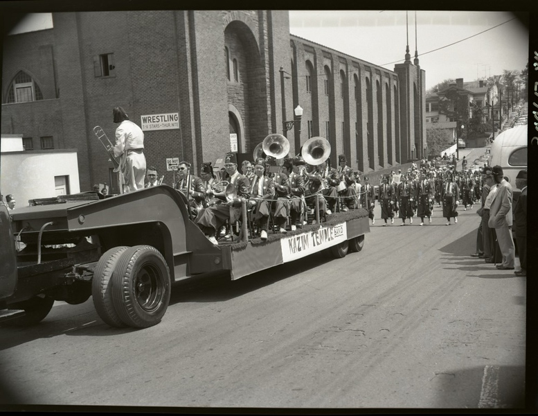 1950's Shriner's Parade  (09683)
