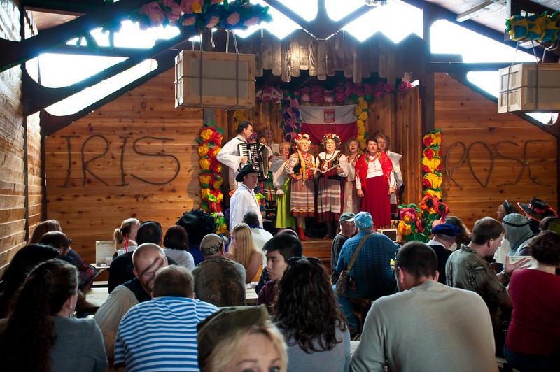Polish singing group entertaining on the Polish Pub stage.