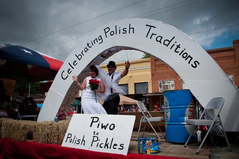 1st place winning parade float featured Polish traditions.