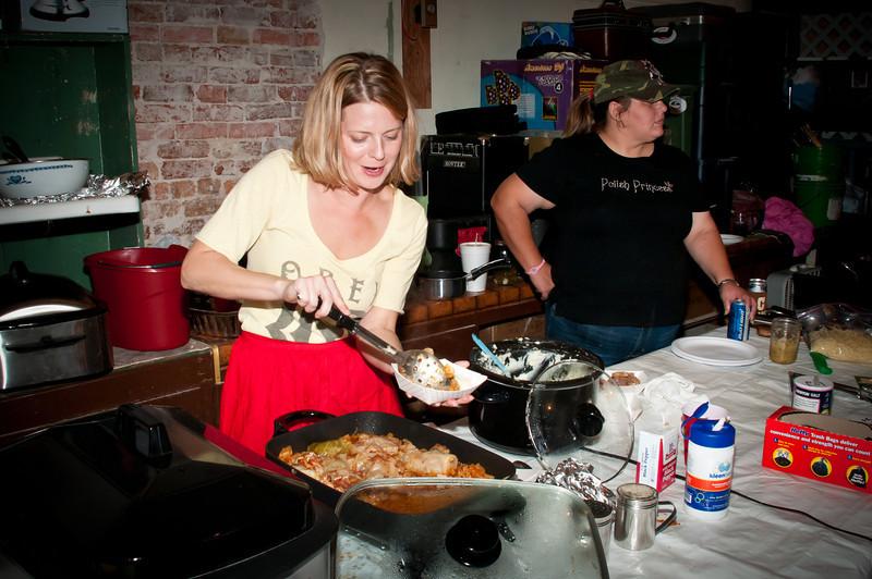 Tamara Barker Brown serving up plates of delicious gołąbki