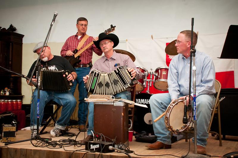 Dr. Jim Mazurkiewicz, Frank Motley, Mark Hopcus and James Mazurkiewicz playing old Polish music