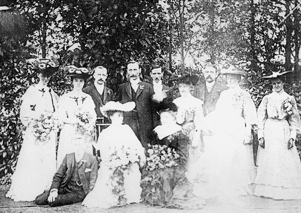 <font size=3><u> - Family Wedding -  </u></font> (BS0244)