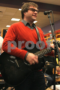 Steven Page of the Barenaked Ladies celebrates the release of their new children's album and book, SNACKTIME, with a performance at Borders in Oakbrook, IL, 10 May, 2008