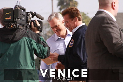 12 03 08  Arnold Schwarzenegger returns to Muscle Beach   Venice, Ca   Photo by Venice Paparazzi (30)