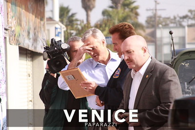 12 03 08  Arnold Schwarzenegger returns to Muscle Beach   Venice, Ca   Photo by Venice Paparazzi (26)