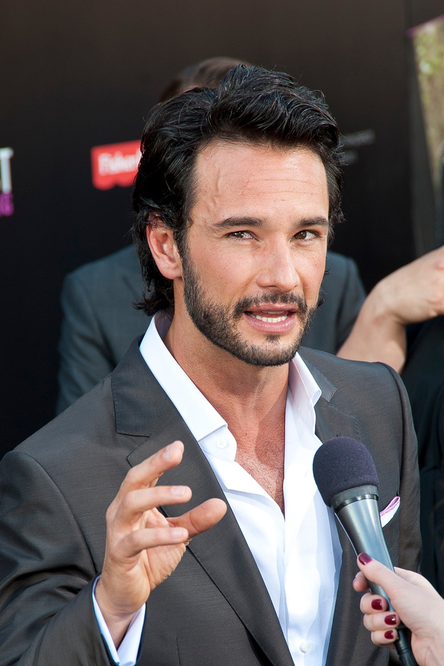 HOLLYWOOD, CA - MAY 14: Actor Rodrigo Santoro arrives at the Lionsgate Premiere of 'What To Expect When You're Expecting' at Grauman's Chinese Theatre on May 14, 2012 in Hollywood, California. (Photo by Tom Sorensen/Moovieboy Pictures)