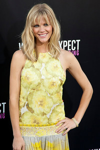 HOLLYWOOD, CA - MAY 14: Actress Brooklyn Decker arrives at the Lionsgate Premiere of 'What To Expect When You're Expecting' at Grauman's Chinese Theatre on May 14, 2012 in Hollywood, California. (Photo by Tom Sorensen/Moovieboy Pictures)