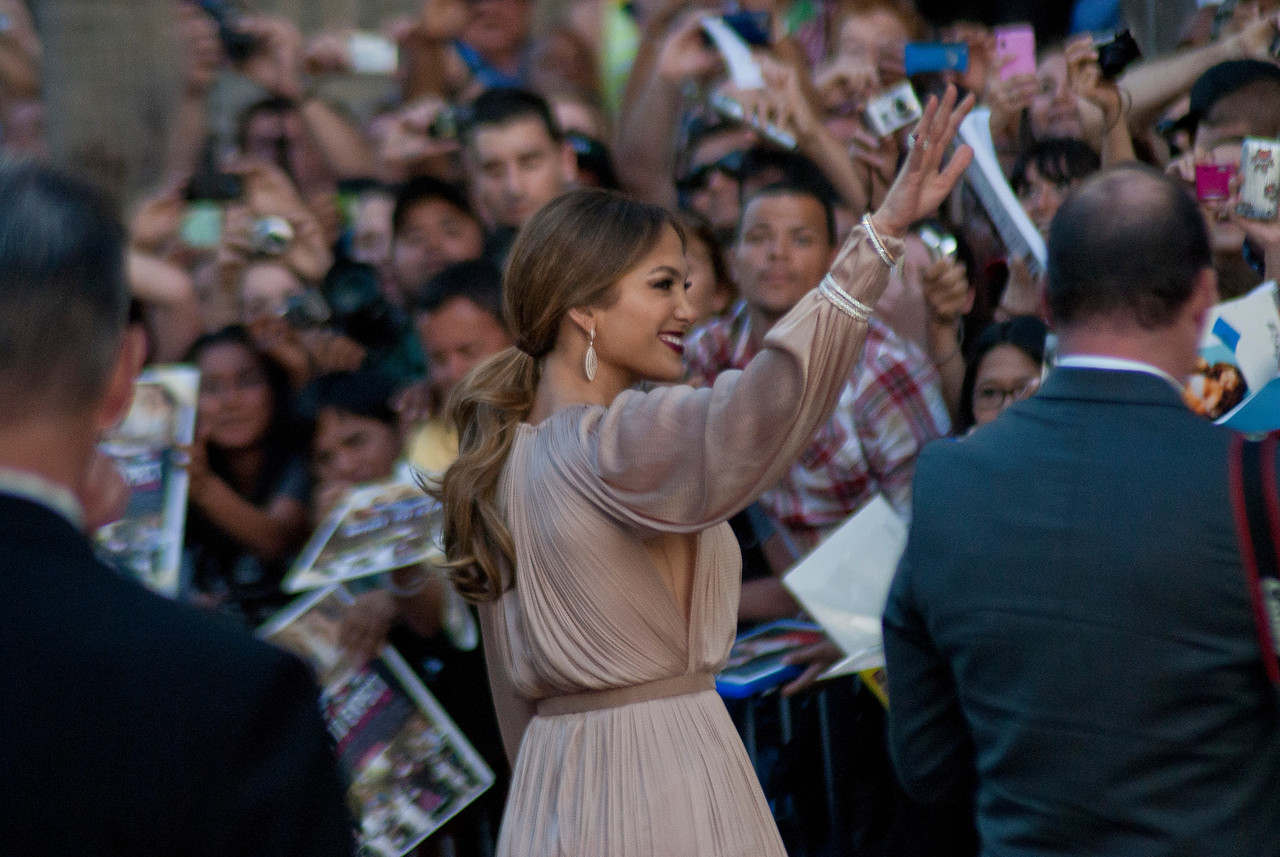 HOLLYWOOD, CA - MAY 14: Actress Jennifer Lopez arrives at the Lionsgate Premiere of 'What To Expect When You're Expecting' at Grauman's Chinese Theatre on May 14, 2012 in Hollywood, California. (Photo by Tom Sorensen/Moovieboy Pictures)