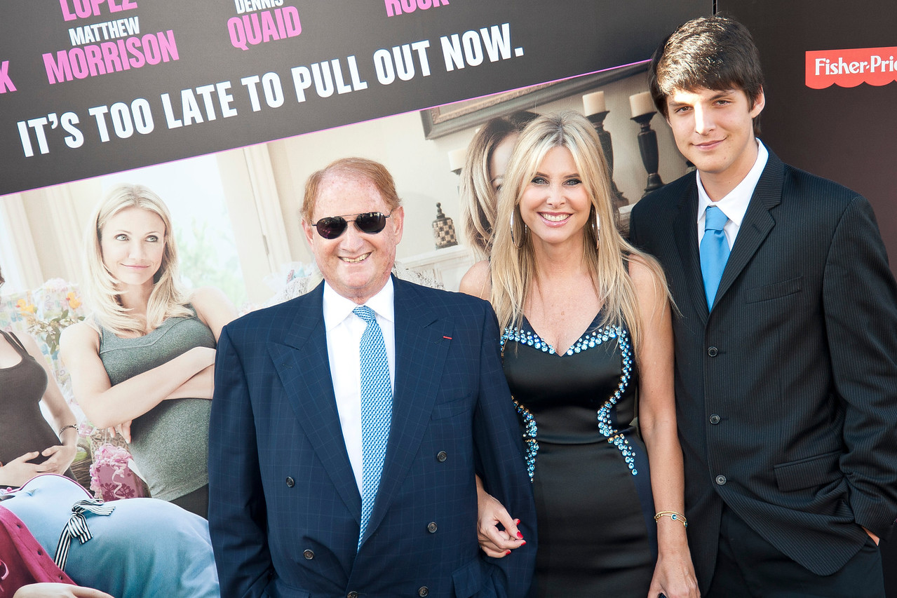 HOLLYWOOD, CA - MAY 14: Producer Mike Medavoy (L) and guests arrive at the Lionsgate Premiere of 'What To Expect When You're Expecting' at Grauman's Chinese Theatre on May 14, 2012 in Hollywood, California. (Photo by Tom Sorensen/Moovieboy Pictures)