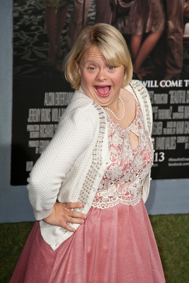 HOLLYWOOD, CA - FEBRUARY 06: Actress Lauren Potter attends the Los Angeles premiere of Warner Bros. Pictures' 'Beautiful Creatures' at TCL Chinese Theatre on Wednesday February 6, 2013 in Hollywood, California. (Photo by Tom Sorensen/Moovieboy Pictures)