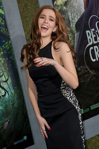HOLLYWOOD, CA - FEBRUARY 06: Actress Zoey Deutch attends the Los Angeles premiere of Warner Bros. Pictures' 'Beautiful Creatures' at TCL Chinese Theatre on Wednesday February 6, 2013 in Hollywood, California. (Photo by Tom Sorensen/Moovieboy Pictures)