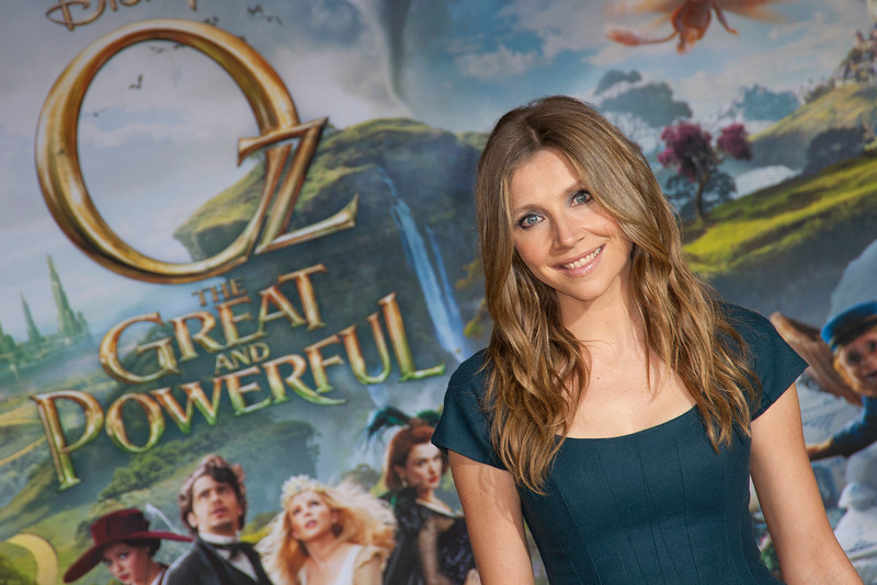 HOLLYWOOD; CA - FEBRUARY 13: Actress Sarah Chalke arrives at the world premiere of Walt Disney Pictures' 'Oz The Great And Powerful' at the El Capitan Theatre on Wednesday February 13; 2013 in Hollywood; California. (Photo by Tom Sorensen/Moovieboy Pictures)