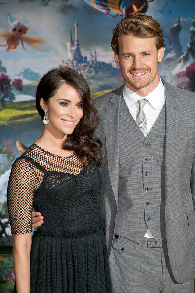 HOLLYWOOD; CA - FEBRUARY 13: Actress Abigail Spencer and Josh Pence arrive at the world premiere of Walt Disney Pictures' 'Oz The Great And Powerful' at the El Capitan Theatre on Wednesday February 13; 2013 in Hollywood; California. (Photo by Tom Sorensen/Moovieboy Pictures)