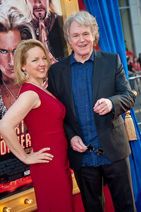 HOLLYWOOD, CA - MARCH 11: Director Don Scardino (R) and wife Dana L. Williams attend the premiere of Warner Bros. Pictures' 'The Incredible Burt Wonderstone' at TCL Chinese Theatre on Monday, March 11, 2013 in Hollywood, California. (Photo by Tom Sorensen/Moovieboy Pictures)