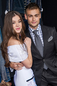 HOLLYWOOD, CA - SEPTEMBER 24: Actors Hailee Steinfeld and Douglas Booth arrive at the premiere of Relativity Media's 'Romeo & Juliet' at ArcLight Hollywood on Tuesday, September 24, 2013 in Hollywood, California. (Photo by Tom Sorensen/Moovieboy Pictures)