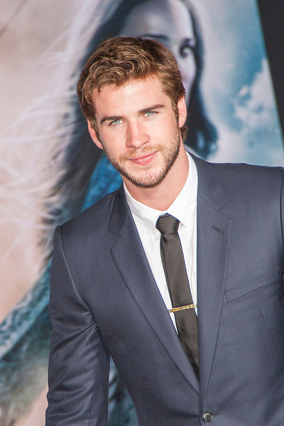 HOLLYWOOD, CA - NOVEMBER 04: Actor Liam Hemsworth arrives at the premiere of Marvel's 'Thor: The Dark World' at the El Capitan Theatre on Monday, November 4, 2013 in Hollywood, California. (Photo by Tom Sorensen/Moovieboy Pictures)