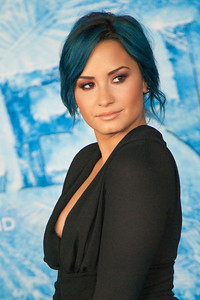 HOLLYWOOD, CA - NOVEMBER 19: Singer Demi Lovato arrives at the premiere of Walt Disney Animation Studios' 'Frozen'at the El Capitan Theatre on Tuesday, November 19, 2013 in Hollywood, California. (Photo by Tom Sorensen/Moovieboy Pictures)