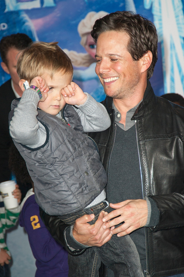 HOLLYWOOD, CA - NOVEMBER 19: Actor Scott Wolf and son arrive at the premiere of Walt Disney Animation Studios' 'Frozen'at the El Capitan Theatre on Tuesday, November 19, 2013 in Hollywood, California. (Photo by Tom Sorensen/Moovieboy Pictures)