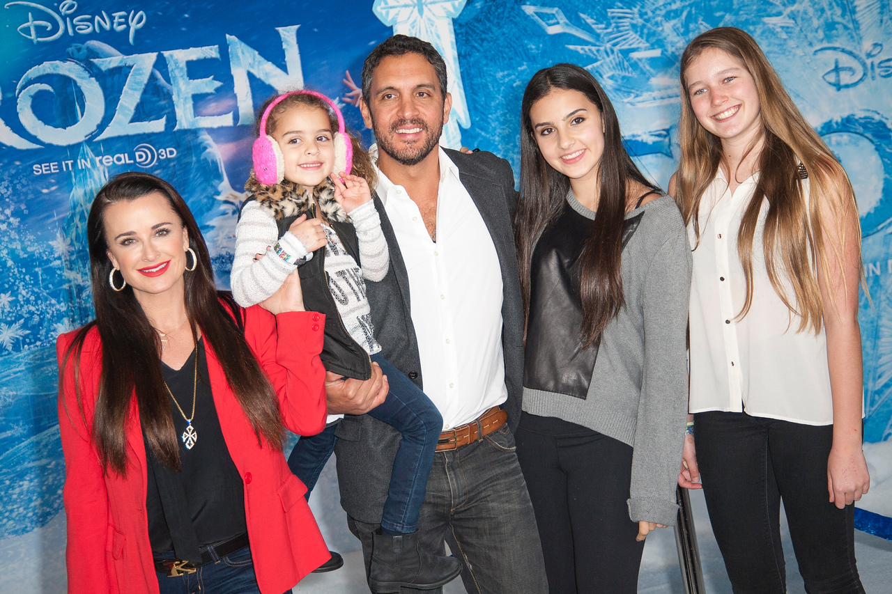 HOLLYWOOD, CA - NOVEMBER 19: TV personality Kyle Richards and family arrive at the premiere of Walt Disney Animation Studios' 'Frozen'at the El Capitan Theatre on Tuesday, November 19, 2013 in Hollywood, California. (Photo by Tom Sorensen/Moovieboy Pictures)