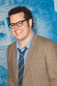 HOLLYWOOD, CA - NOVEMBER 19: Actor Josh Gad arrives at the premiere of Walt Disney Animation Studios' 'Frozen'at the El Capitan Theatre on Tuesday, November 19, 2013 in Hollywood, California. (Photo by Tom Sorensen/Moovieboy Pictures)