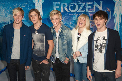 HOLLYWOOD, CA - NOVEMBER 19: R5 band members Rocky Lynch, Riker Lynch, Ross Lynch, Rydel Lynch, and Ellington Lee Ratliff arrive at the premiere of Walt Disney Animation Studios' 'Frozen'at the El Capitan Theatre on Tuesday, November 19, 2013 in Hollywood, California. (Photo by Tom Sorensen/Moovieboy Pictures)