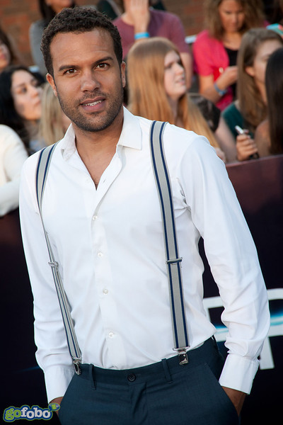 LOS ANGELES, CA - MARCH 18: O.T. Fagbenle arrives at the premiere of Summit Entertainment's 'Divergent' at the Regency Bruin Theatre on Tuesday, March 18, 2014 in Los Angeles, California. (Photo by Tom Sorensen/Moovieboy Pictures)