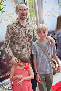 LOS ANGELES, CA - MARCH 29: Actor Jason Lee and guests arrive at the premiere of 'Island Of Lemurs: Madagascar' at California Science Center on Saturday, March 29, 2014 in Los Angeles, California. (Photo by Tom Sorensen/Moovieboy Pictures)