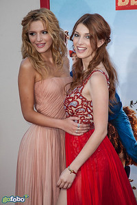 HOLLYWOOD, CA - MAY 21: Actors Bella Thorne and Dani Thorne arrive at the Los Angeles premiere of 'Blended' at TCL Chinese Theatre on Wednesday May 21, 2014 in Hollywood, California. (Photo by Tom Sorensen/Moovieboy Pictures)