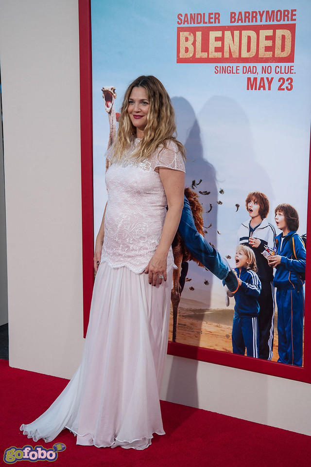 HOLLYWOOD, CA - MAY 21: Actress Drew Barrymore arrives at the Los Angeles premiere of 'Blended' at TCL Chinese Theatre on Wednesday May 21, 2014 in Hollywood, California. (Photo by Tom Sorensen/Moovieboy Pictures)