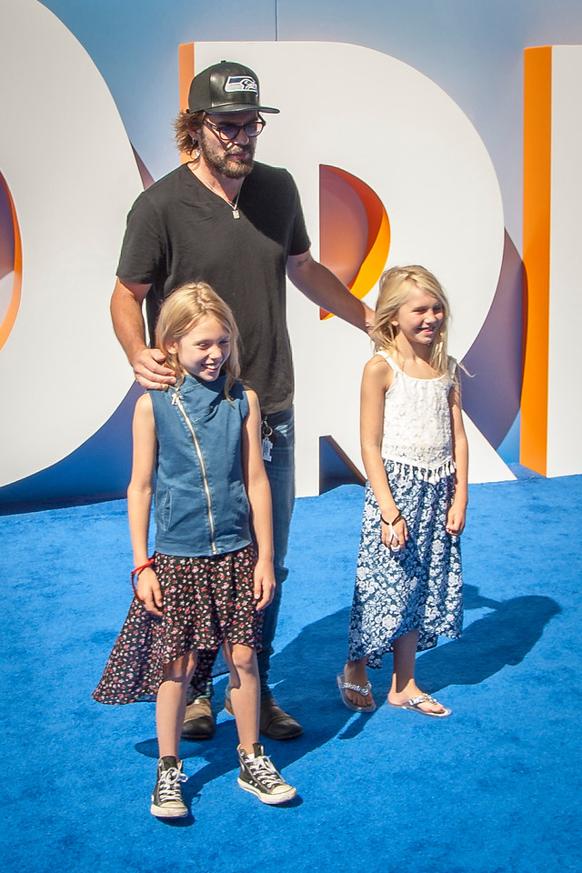 WESTWOOD, CA - SEPTEMBER 17: Actor Billy Burke and daughters attend the premiere of Warner Bros. Pictures' 'Storks' at Regency Village Theatre on Saturday September 17, 2016 in Westwood, California. (Photo by Tom Sorensen/Moovieboy Pictures)