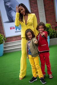 WESTWOOD, CALIFORNIA - JUNE 02: Dania Ramirez, Gaia Jissel Ramirez Land and John Aether Ramirez Land attend the Premiere of Universal Pictures' 'The Secret Life Of Pets 2' at Regency Village Theatre on Sunday, June 02, 2019 in Westwood, California. (Photo by Tom Sorensen/Moovieboy Pictures)