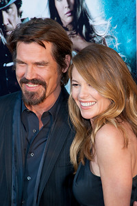 HOLLYWOOD - JUNE 17: Actor Josh Brolin and wife Diane Lane arrive at the 'Jonah Hex' Los Angeles Premiere held at ArcLight Cinemas Cinerama Dome on June 17, 2010 in Hollywood, California. (Photo by Tom Sorensen/Moovieboy Pictures)