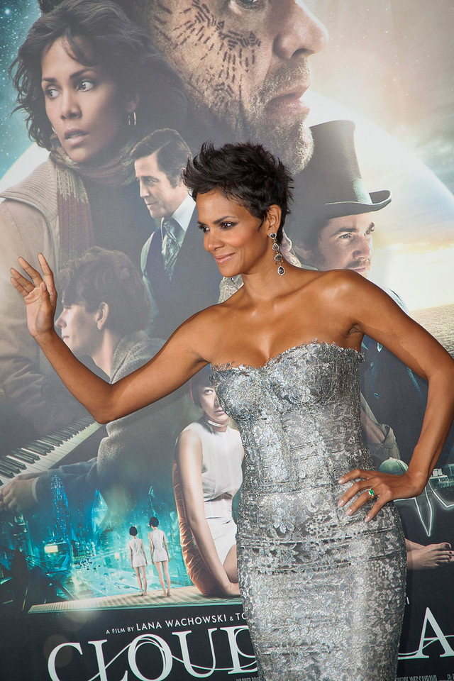 HOLLYWOOD, CA - OCTOBER 24: Actress Halle Berry arrives at the 'Cloud Atlas' - Los Angeles Premiere at Grauman's Chinese Theatre on Wednesday October 24, 2012 in Hollywood, California. (Photo by Tom Sorensen/Moovieboy Pictures)