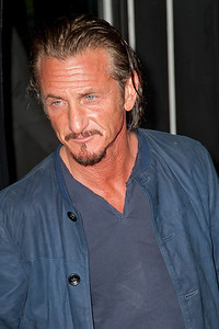 HOLLYWOOD, CA - JANUARY 07: Actor Sean Penn arrives at Warner Bros. Pictures' 'Gangster Squad' premiere at Grauman's Chinese Theatre on Monday, January 7, 2013 in Hollywood, California. (Photo by Tom Sorensen/Moovieboy Pictures)