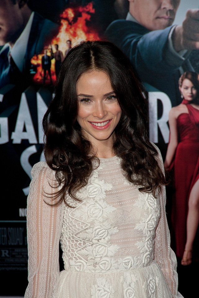 HOLLYWOOD, CA - JANUARY 07: Actress Abigail Spencer arrives at Warner Bros. Pictures' 'Gangster Squad' premiere at Grauman's Chinese Theatre on Monday, January 7, 2013 in Hollywood, California. (Photo by Tom Sorensen/Moovieboy Pictures)