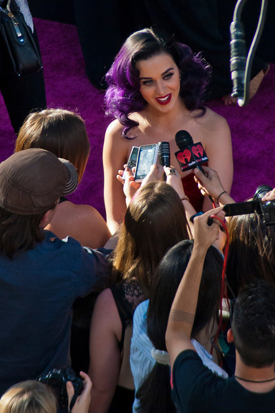 HOLLYWOOD, CA - JUNE 26: Singer Katy Perry arrives at the premiere of Paramount Insurge's 'Katy Perry: Part Of Me' held at Grauman's Chinese Theatre on June 26, 2012 in Hollywood, California. (Photo by Tom Sorensen/Moovieboy Pictures)