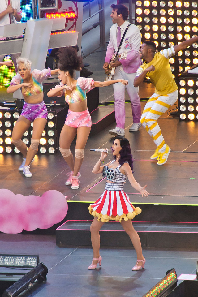 HOLLYWOOD, CA - JUNE 26: Singer Katy Perry performs onstage during the premiere of Paramount Insurge's 'Katy Perry: Part Of Me' held at Grauman's Chinese Theatre on June 26, 2012 in Hollywood, California. (Photo by Tom Sorensen/Moovieboy Pictures)